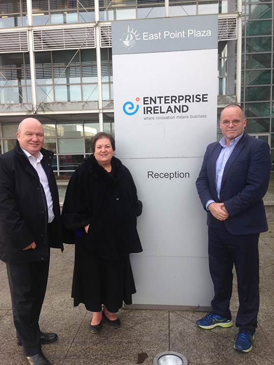 Jackie Baillie, Gordon MacDonald and Andy Wightman standing outside the offices of Enterprise Ireland